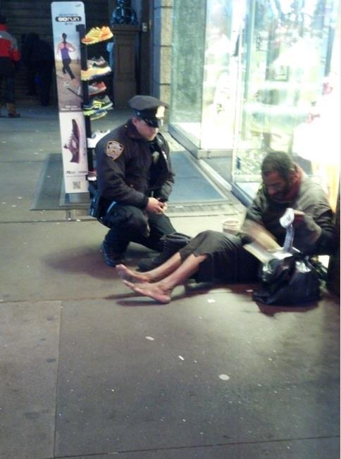 policial_e_mendigo