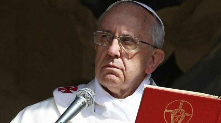 O papa Francisco cancelou a Bíblia e propôs um novo livro?