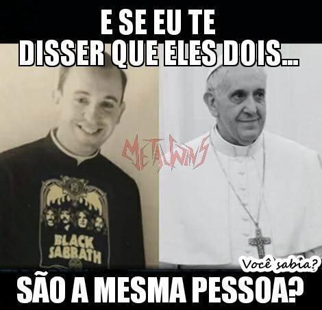 Papa era fã de heavy metal? (Foto: Reprodução/Facebook)