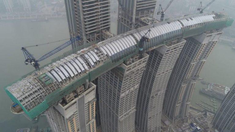 A China está construindo prédios sobre prédios para resolver a superpopulação?