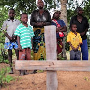 Família a espera de justiça até hoje. (foto: Reprodiução/Mail e Guardian)