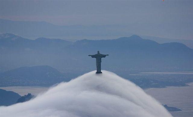 Rio de Janeiro coberto por nevoeiro - Verdade ou mentira?