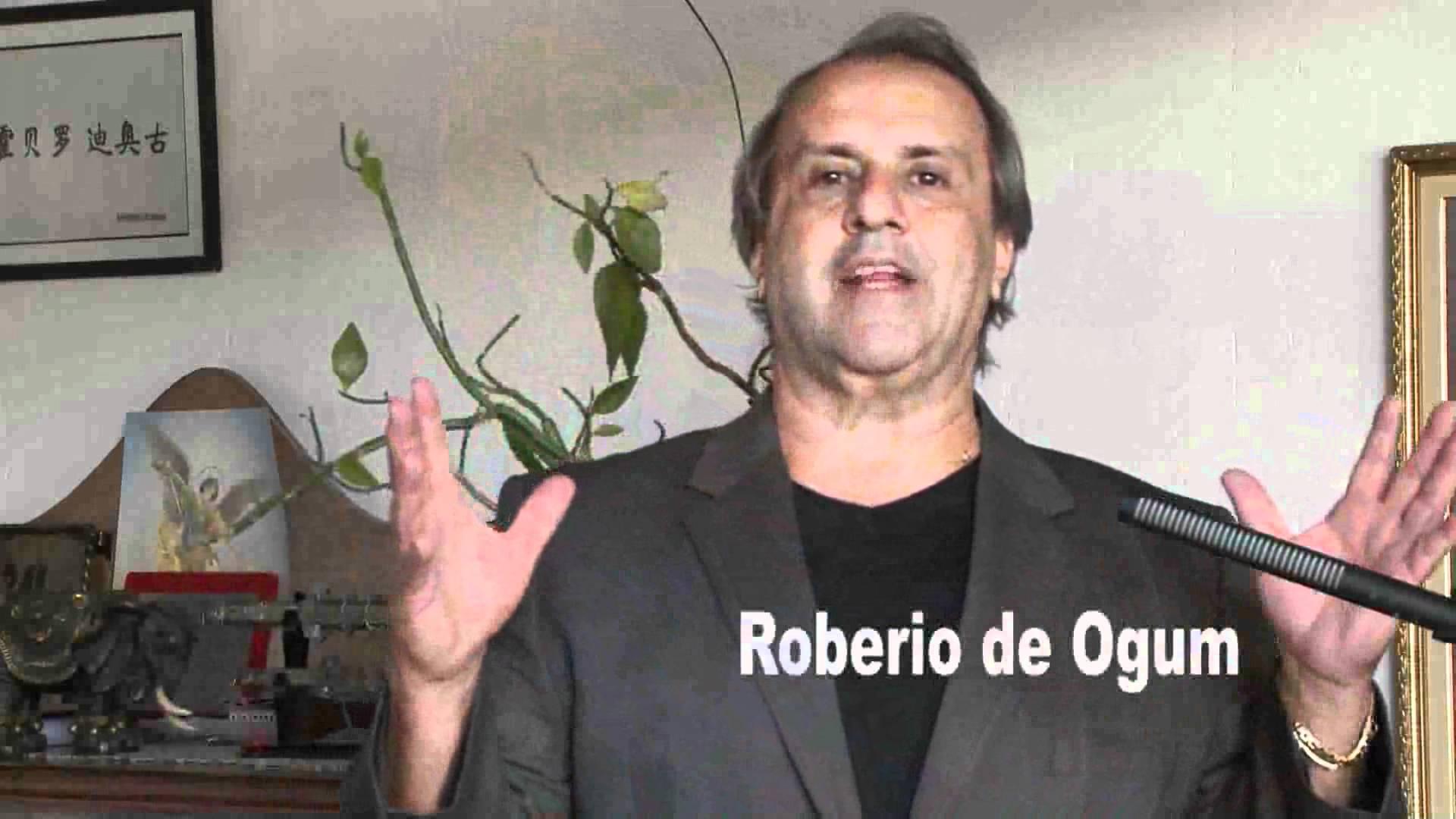 """Vidente Robério de Ogum garante que em 2014, """"O Brasil será o campeão do mundo de futebol""""! (foto: Reprodução/YouTube)"""