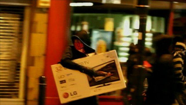 Imagem retirada de uma reportagem da BBC sobre saques em Londres