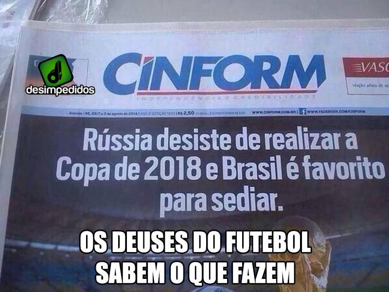 Recorte de jornal afirma que a Rússia desistiu da Copa e Brasil é o favorito! Será verdade? (foto: Reprodução/Facebook)