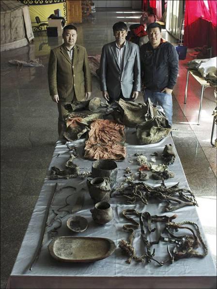 Grupo que estuda a múmia! (foto: Divulgação)