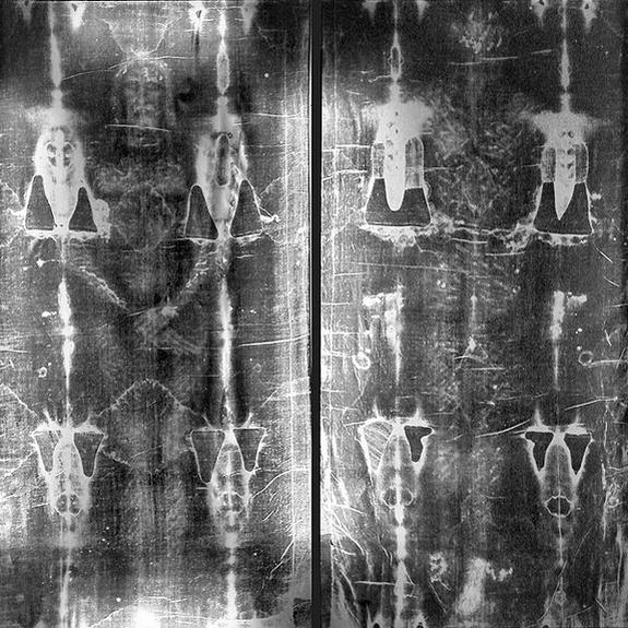 O Sudário de Turim teria sido usado para envolver o corpo de Cristo! Será verdade? (Foto: Reprodução/Wikipedia)