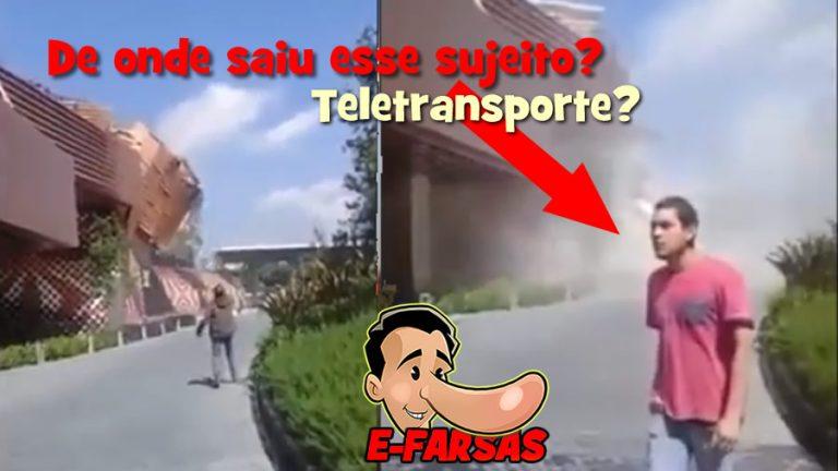 De onde saiu esse cara de camisa vermelha? Teletransporte?