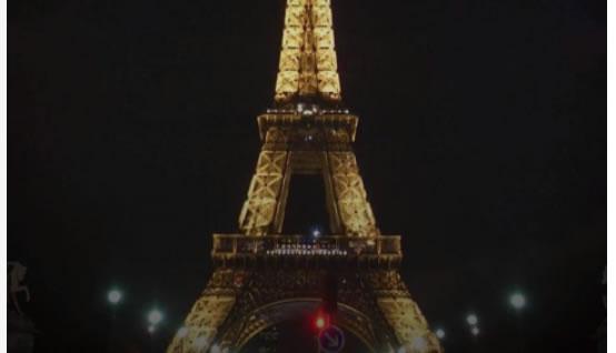 Torre Eiffel foi apagada em homenagem às vítimas dos ataques em Paris?