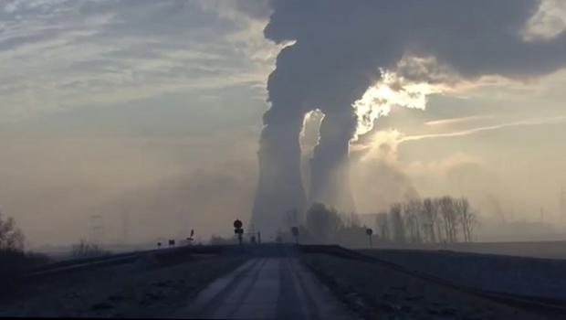 Usina nuclear de Doel, na Bélgica! (foto: Reprodução)