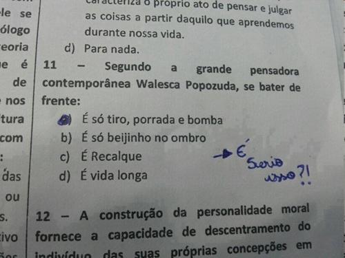 Trecho da música Beijinho no Ombro teria caído em exame carioca! Será verdade? (foto: Reprodução/Facebook)