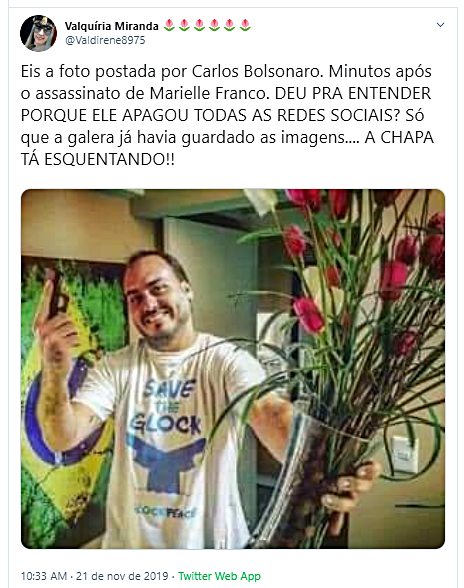 Carlos Bolsonaro publicou foto com arma e flores logo após a morte de Marielle?